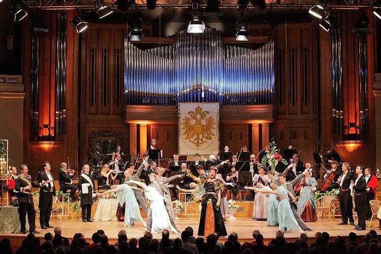 Neujahrsgala mit dem Musiktheater Prag im Palais des Beaux Arts, Brüssel
